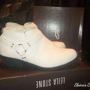Leila Stone Desi White Moto Ankle Boots Sz 9